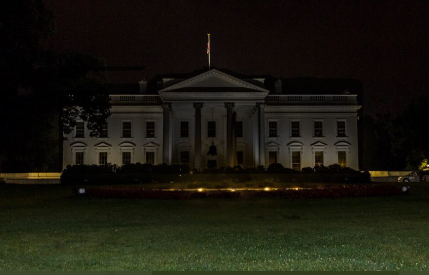 Lights-out-at-White-House.jpg
